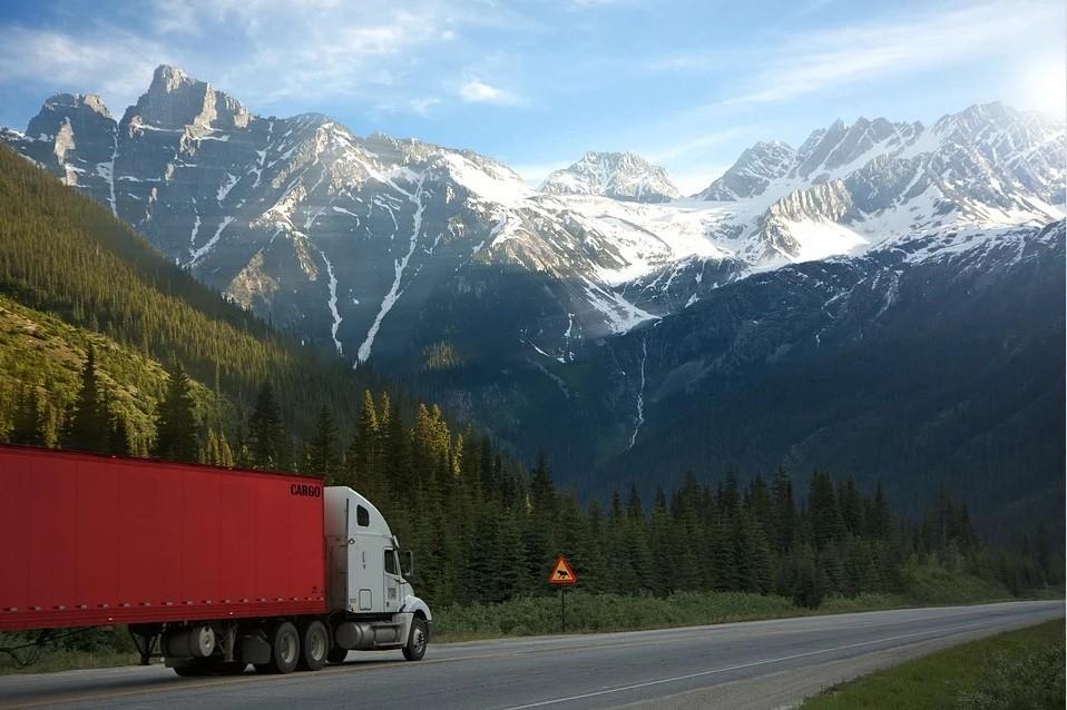 Особенности перевозки негабаритных и тяжеловесных грузов на транспортерах элеватор на спортивной